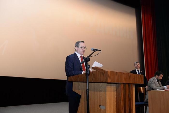 Тысячи граждан пришли на финальную встречу с Павлом Грудининым в Новосибирске