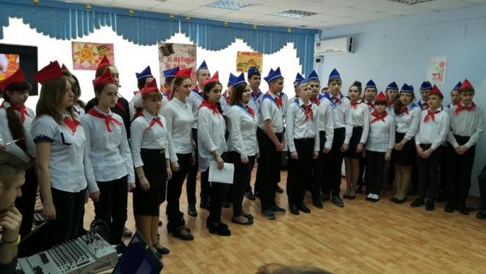 Пионеры из Подольска провели встречу с ветеранами Великой Отечественной войны
