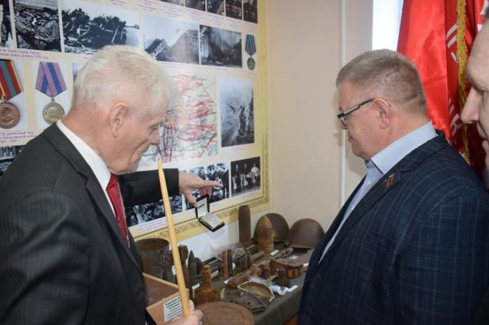 Депутат-коммунист Александр Наумов посетил музей «Боевой Славы» городского округа Чехов