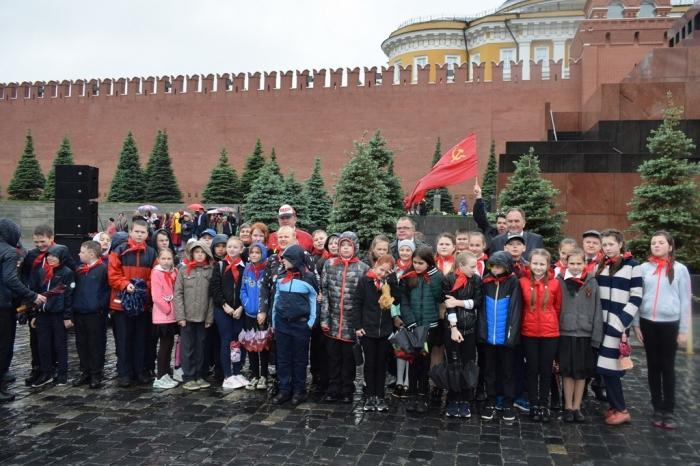 Пионерия и Ленин будут жить всегда в веках!