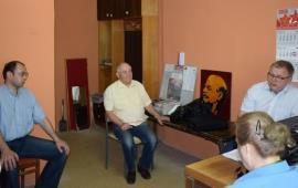Депутат-коммунист А.А. Наумов провёл приём граждан в Пущино