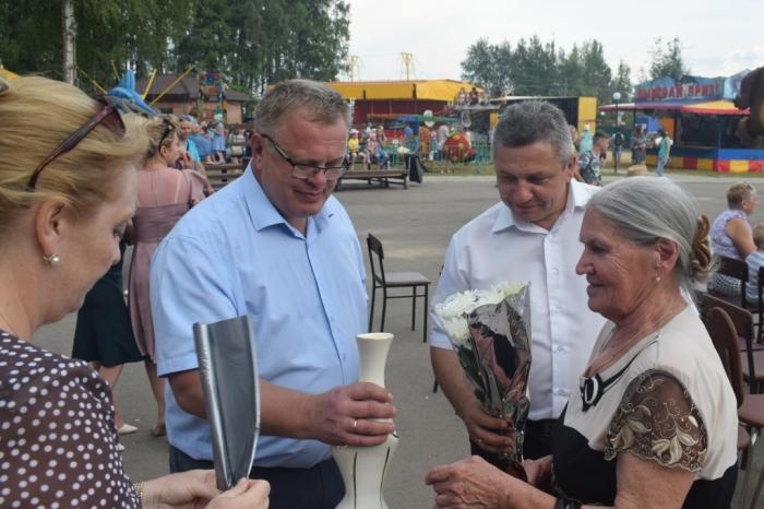 Депутат-коммунист Александр Наумов поздравил талдомчан с Днем города
