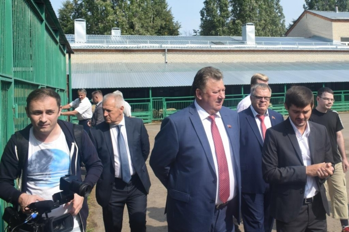 1 сентября Владимир Кашин поздравил учеников и учителей Дубровицкой средней школы г.о. Подольск с Днём знаний