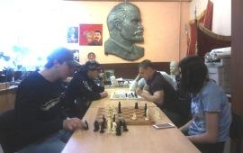 21 октября Орехово-Зуевский РК КПРФ провел турнир по шашкам и шахматам
