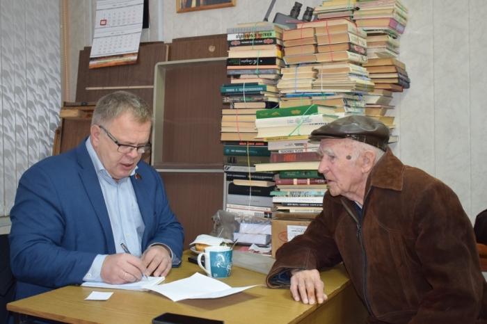 Депутат-коммунист Александр Наумов провел прием граждан в г. Серпухове