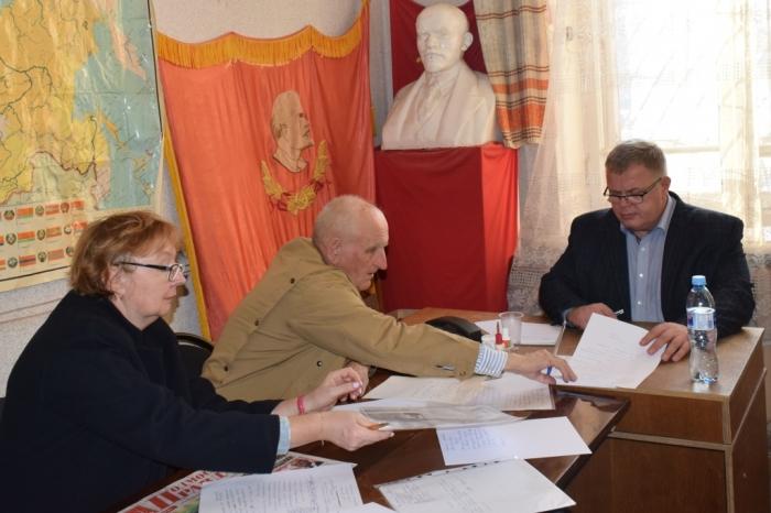 Депутат-коммунист Александр Наумов провел прием граждан в г.о. Ступино