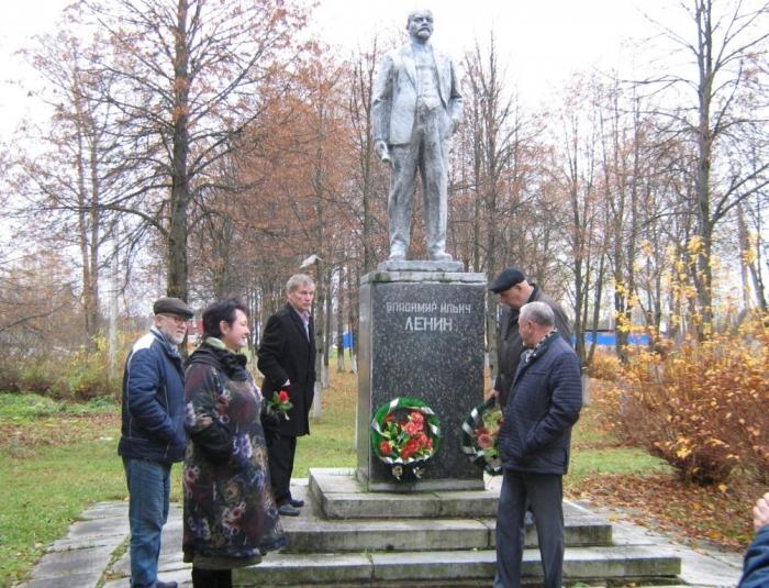 Автопробег в честь 100-летия Ленинского комсомола