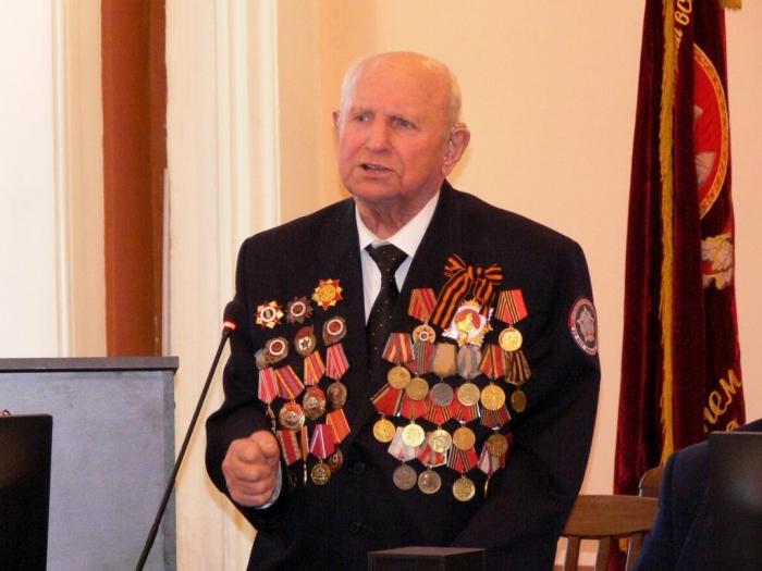 «У партии и Комсомола одна цель — коммунизм!»