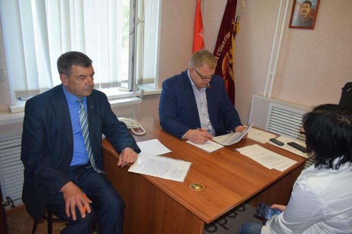 Депутат-коммунист Александр Наумов провёл приём граждан в Домодедово