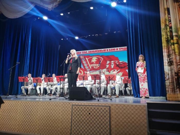 Молодые коммунисты Балашихи посетили праздничный концерт в Щёлково