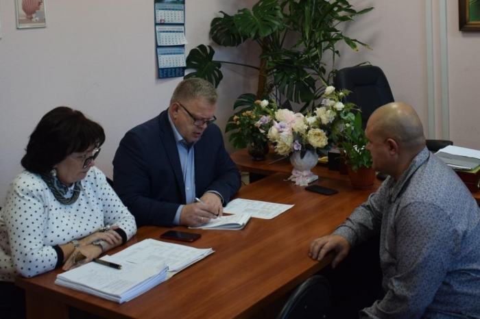Депутат-коммунист Александр Наумов провел приём граждан в г.о. Чехов