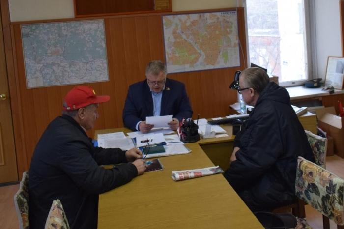 Депутат Александр Наумов провёл приём граждан в г. Серпухове