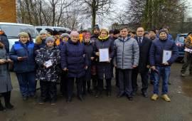 Воскресенские коммунисты поздравили работников МКУ «БиО» с Новым годом