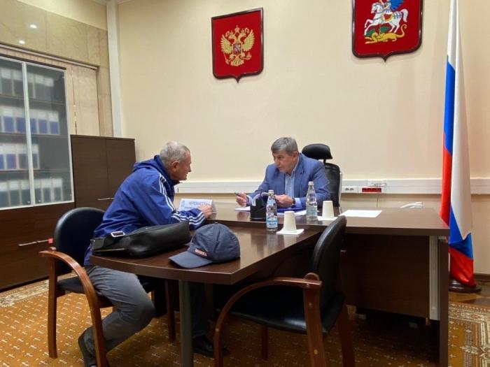 Второй секретарь МК КПРФ Константин Черемисов провёл приём граждан
