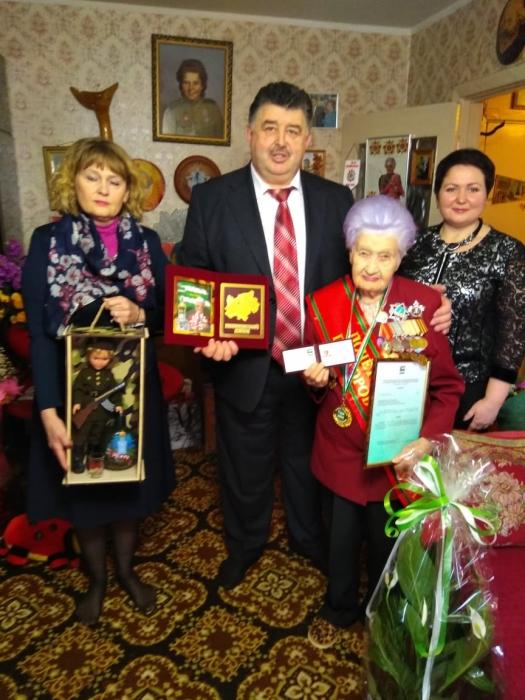 Поздравляем Марию Рохлину с присвоением звания «Почётный гражданин Прохоровского района Белгородской области».