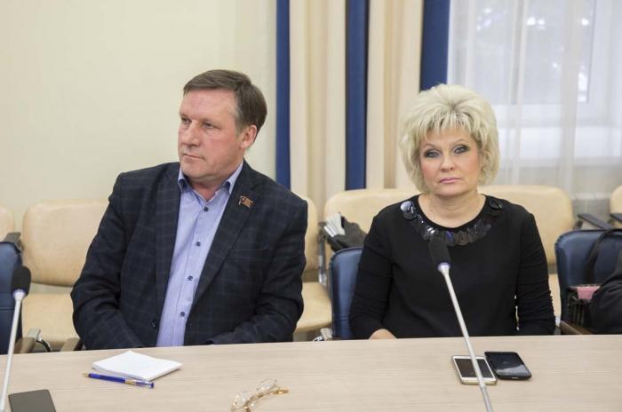 Эксперт КПРФ проанализировал предложенные властью поправки в Конституцию России