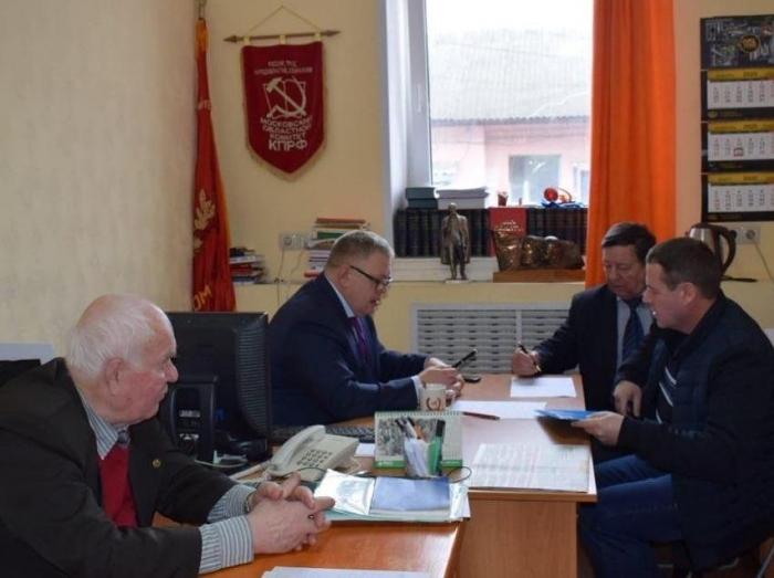 Депутат-коммунист Александр Наумов провёл приём граждан в Кашире