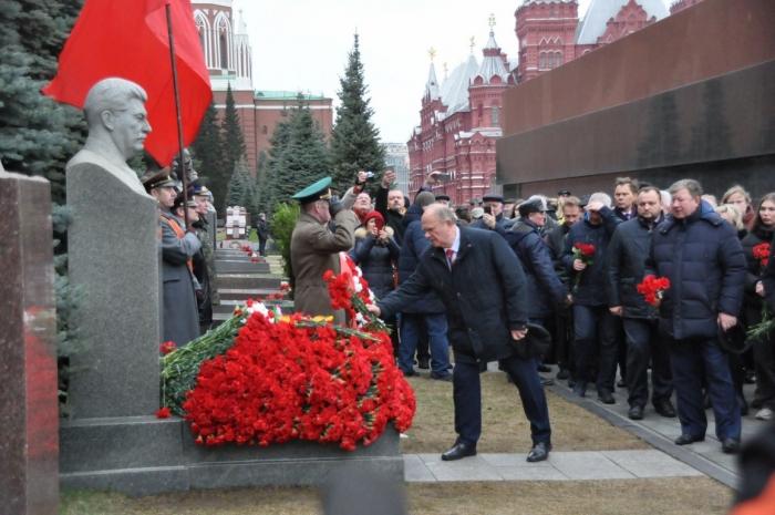 Г.А. Зюганов: Ленин, Сталин и Победа – абсолютно неразделимы!