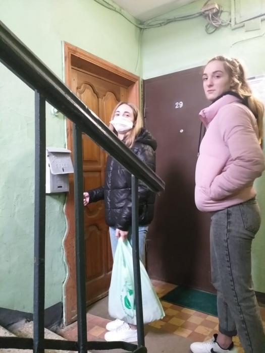 Лобненские коммунисты и комсомольцы помогают нуждающимся