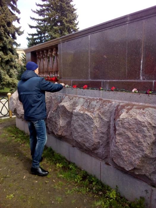Ступинский ГК КПРФ чтит память о Ленине