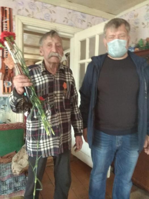 Раменские коммунисты поздравили земляков с Днём Победы