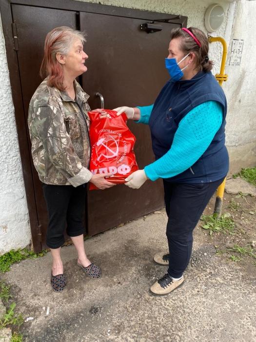 Егорьевские коммунисты помогают нуждающимся