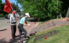 Возложение цветов к военным мемориалам в Серпуховском регионе