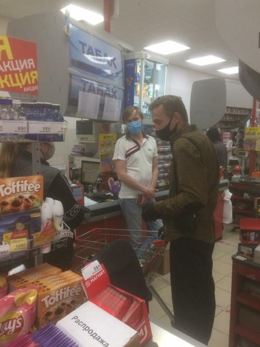 Королёвские коммунисты стоят на страже качества продуктов в городе