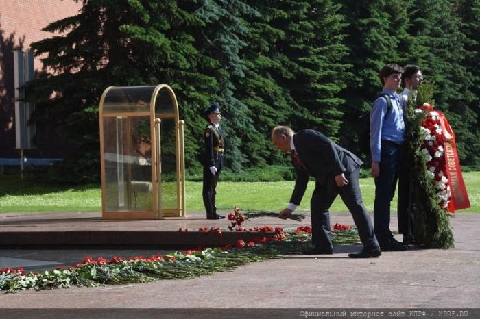 Г.А. Зюганов: Секрет Победы – в защите Советской Родины!