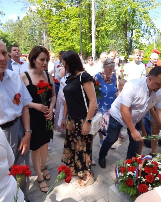 Пушкинские коммунисты приняли участие в открытии памятника