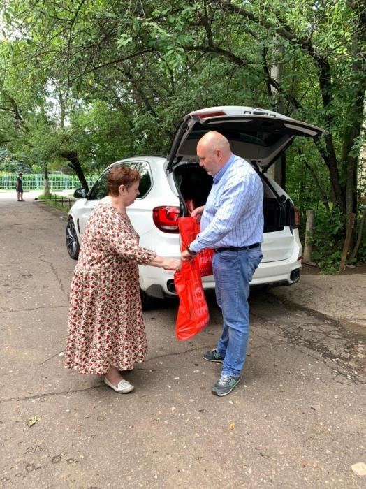 Красногорские коммунисты продолжают помогать нуждающимся