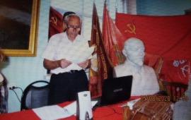 Коммунисты принимают отчёт горкома