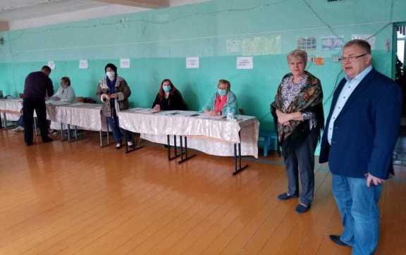 Секретарь МК КПРФ Александр Наумов посетил избирательные участки в Подольске