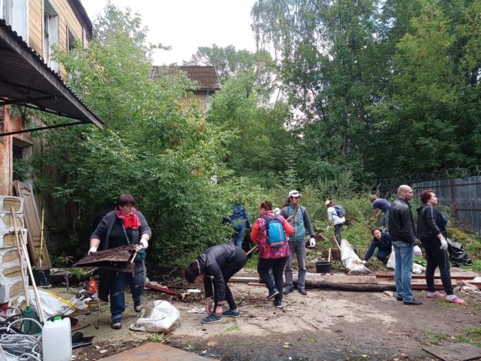 «Культурный субботник» в ленинских местах!
