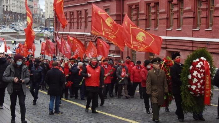 Великому Октябрю 1917 года - Слава!
