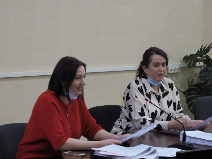 Вопросы здравоохранения и системы оказания медицинской помощи обсудили депутаты Лобни