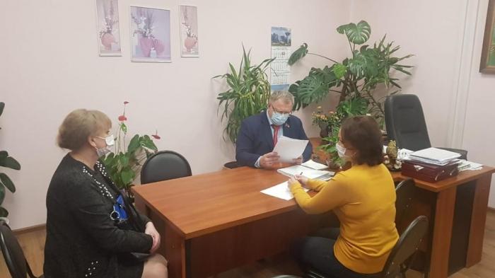 Депутат-коммунист Александр Наумов провел прием граждан в городах Чехов и Домодедово