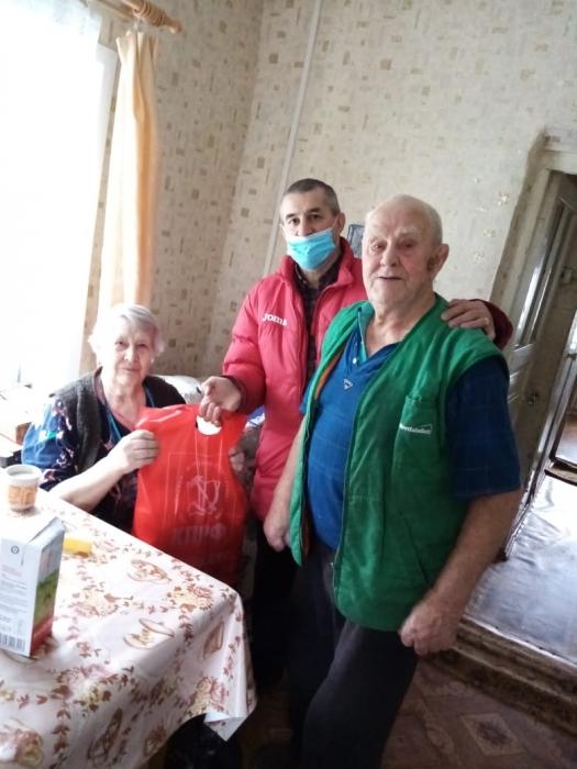 Коломенские коммунисты оказывают помощь
