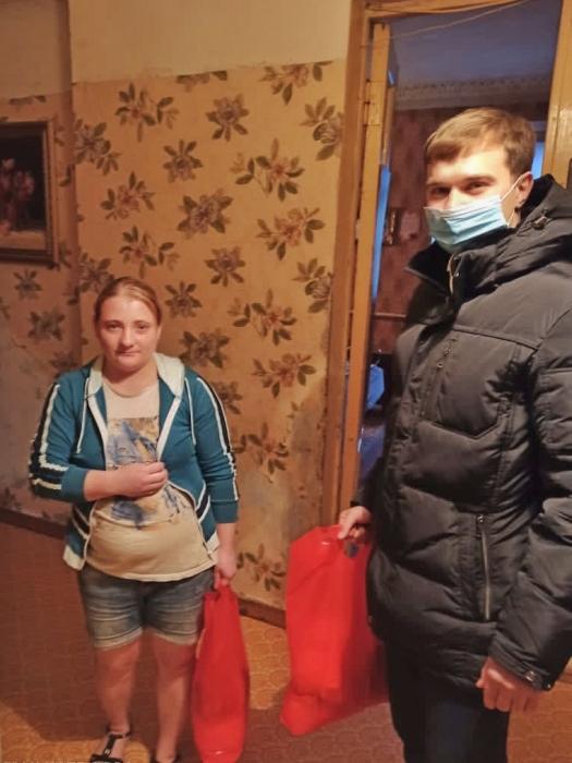 Дмитровские депутаты-коммунисты оказывают помощь нуждающимся