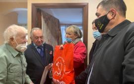 Коммунисты Королёва поздравили ветерана - участника битвы под Москвой