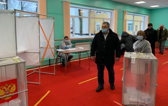 Секретарь МК КПРФ Александр Наумов посетил избирательные участки в Коломне