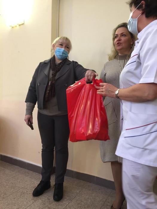 Активисты Королёвского отделения «Дети войны» поздравили врачей с Рождеством