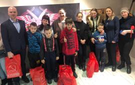 Дети из многодетных и приемных семей Дмитрова побывали в барбершопе благодаря инициативе Комсомола