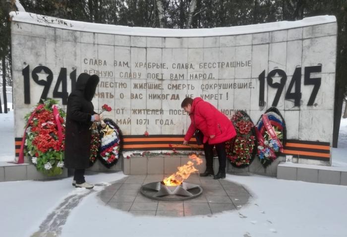 Серпуховские коммунисты почтили память солдат