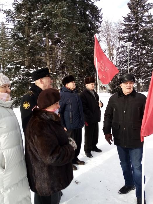 Коммунисты Рузы отпраздновали день Советской Армии и ВМФ