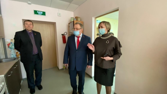 Депутат-коммунист Александр Наумов посетил с рабочим визитом город Озёры