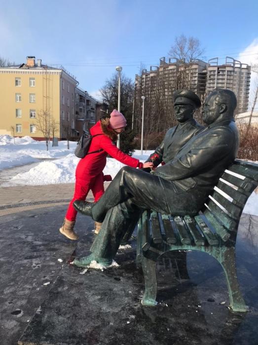 Королёвские коммунисты возложили цветы к памятнику Юрию Гагарину