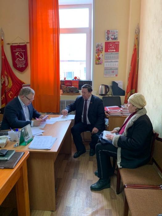 Депутат-коммунист Александр Наумов провёл очередной приём граждан в Кашире