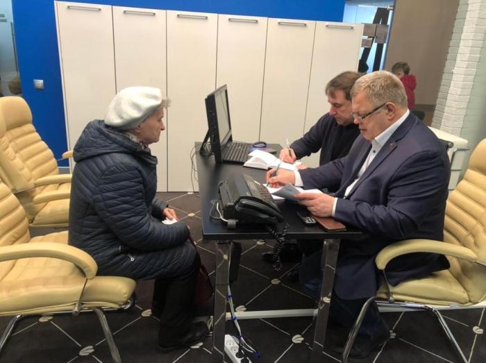 Депутат-коммунист Александр Наумов провёл приём граждан в Ступино