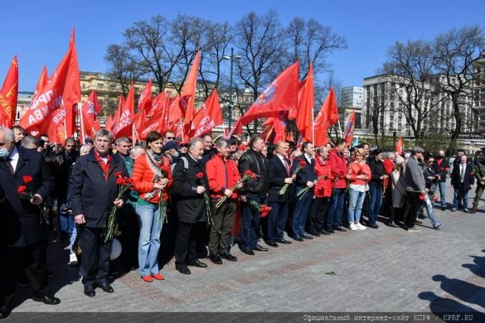 GEORGIA. Zyuganov: ¡La solidaridad de los trabajadores es más fuerte que todos los tanques, policías, detectives y traidores del mundo!